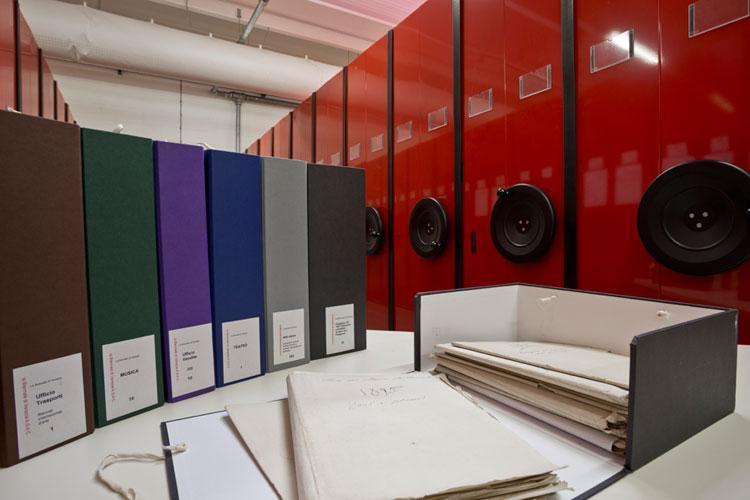 Un bando della Biennale di Venezia e Palazzo Grassi