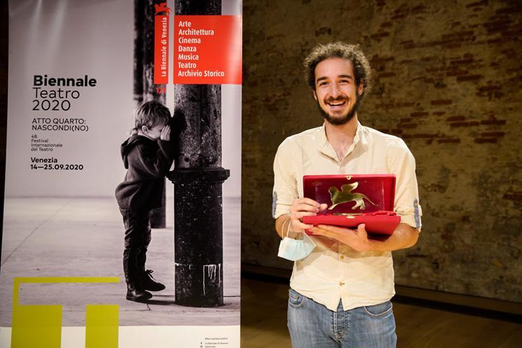 Glory Wall di Leonardo Manzan miglior spettacolo della Biennale Teatro 2020